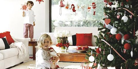Ocho ideas para decorar tu casa en navidad for Ideas para adornar puertas en navidad