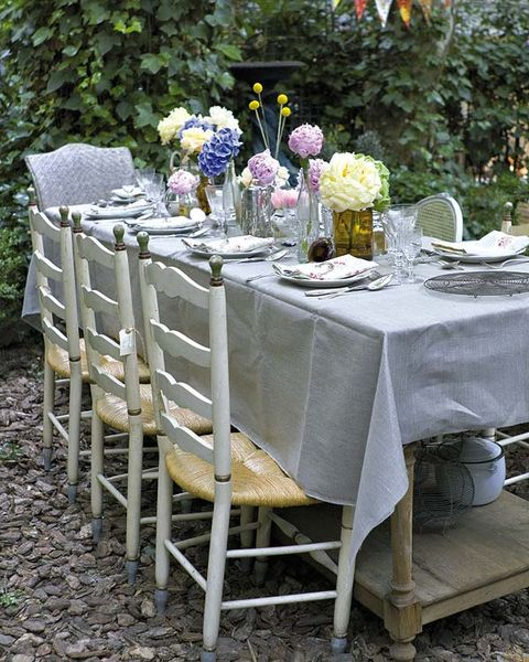 Tablecloth, Furniture, Table, Linens, Flower, Petal, Bouquet, Lavender, Home accessories, Chair,