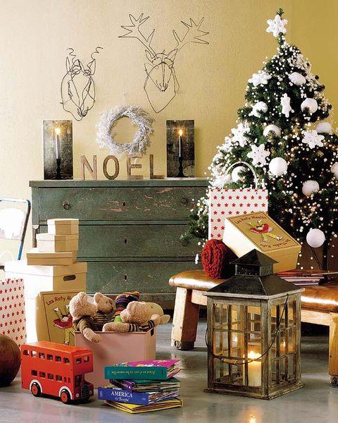 Christmas tree, Christmas decoration, Room, Christmas, Home, Living room, Interior design, Tree, Table, Furniture,