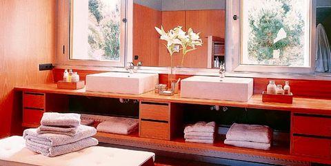 Interior design, Lighting, Room, Ceiling, Interior design, Wall, Floor, Light fixture, Glass, Fixture,