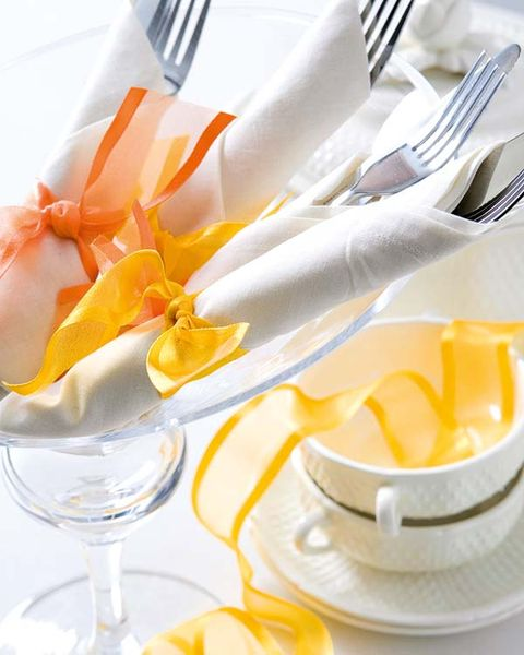 Serveware, Dishware, Yellow, Glass, Tableware, Stemware, Kitchen utensil, Cutlery, Drinkware, Orange,