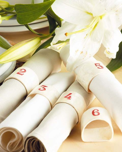 White, Petal, Beige, Material property, Flowering plant, Cylinder, Rhododendron,