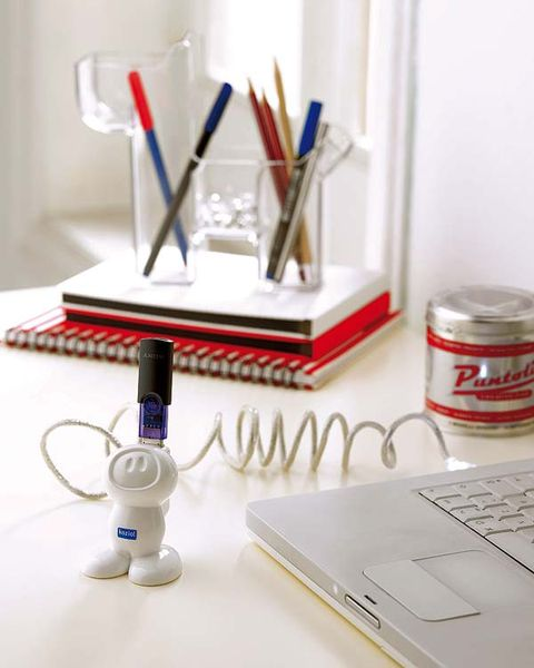 Laptop part, Stationery, Office equipment, Office supplies, Laptop accessory, Input device, Pen, Writing implement, Brush, Paint,