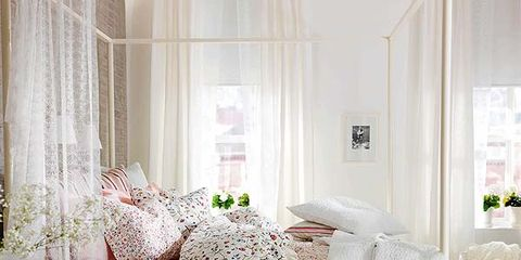 Interior design, Room, Property, Textile, Bedding, Furniture, Floor, Linens, Home, Wall,