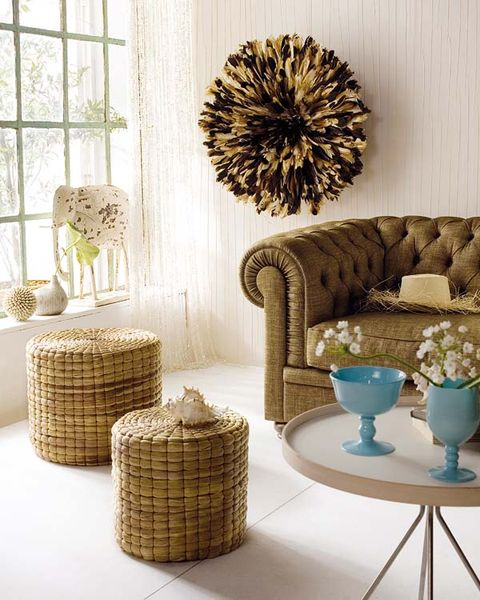 Interior design, Wall, Room, Couch, Interior design, Basket, Wicker, Home accessories, Living room, Beige,