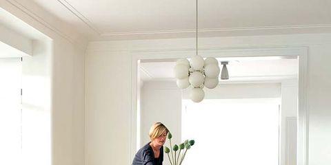 Floor, Room, Wood, Lighting, Interior design, Flooring, Furniture, Ceiling, Wood flooring, Table,