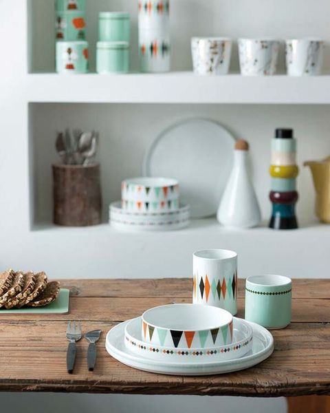Serveware, Dishware, Turquoise, Shelving, Paint, Teal, Porcelain, Ceramic, Bottle, Home accessories,