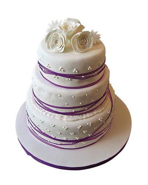 Cake, Dessert, Food, Ingredient, Purple, Baked goods, Cake decorating, Sweetness, Violet, Lavender,