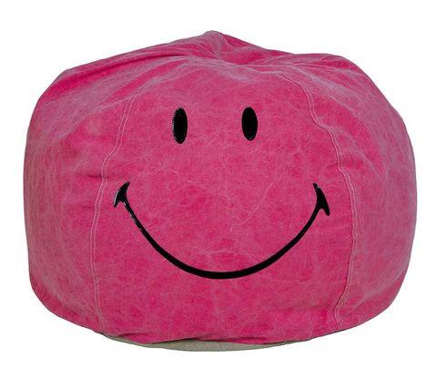 Textile, Red, Magenta, Pink, Happy, Facial expression, Emoticon, Purple, Carmine, Colorfulness,