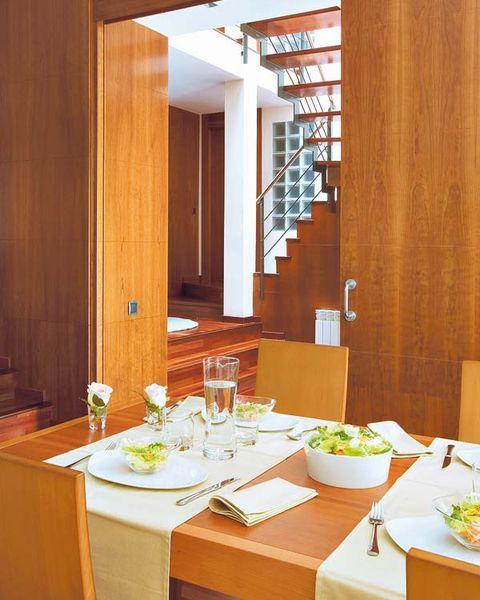 Dishware, Table, Furniture, Room, Tableware, Glass, Interior design, Serveware, Interior design, Hardwood,