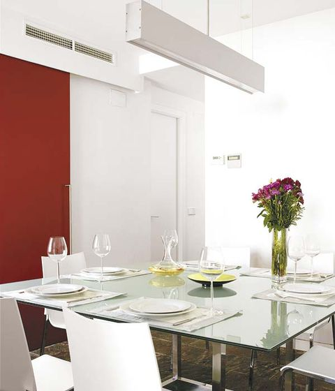 Glass, Room, Table, Furniture, Interior design, Dishware, Dining room, Stemware, Bouquet, Drinkware,