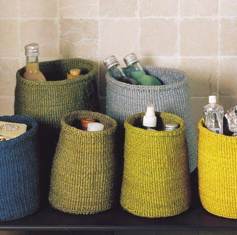 cestas para ordenar el baño