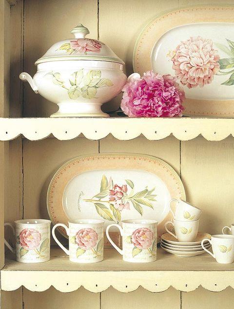 Serveware, Dishware, Porcelain, Cup, Drinkware, Ceramic, Teacup, Tableware, Coffee cup, Art,