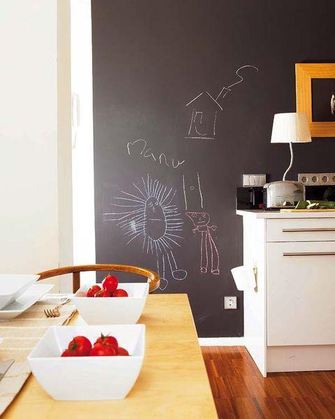 Wood, Room, Dishware, Serveware, Wall, Table, Wood flooring, Interior design, Fruit, Tableware,