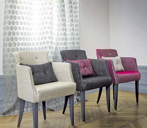 Floor, Interior design, Room, Furniture, Flooring, Hardwood, Grey, Wood flooring, Window covering, Window treatment,