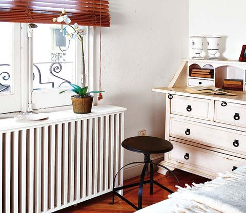 Wood, Room, Interior design, Flowerpot, Drawer, Chest of drawers, Furniture, Wall, Floor, Hardwood,