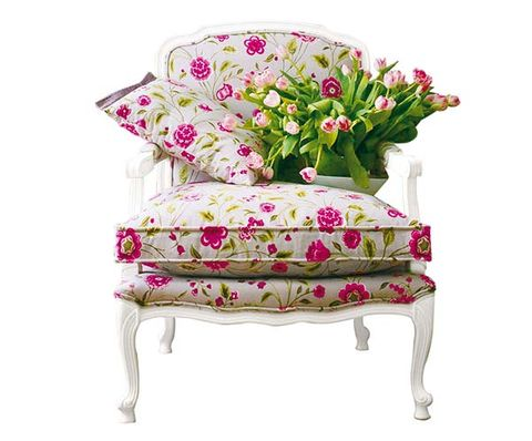 Furniture, Pink, Cut flowers, Flower, Chair, Plant, Magenta, Floral design, Table, Perennial plant,