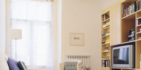 Wood, Interior design, Room, Floor, Flooring, Furniture, Table, Wall, Living room, Display device,