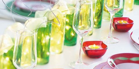 Serveware, Dishware, Porcelain, Glass, Drinkware, Tableware, Ceramic, Plate, Saucer, Kitchen utensil,