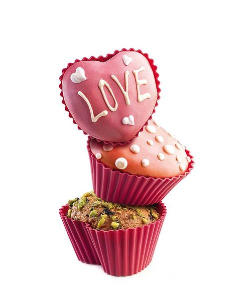 Pink, Dessert, Magenta, Baking cup, Sweetness, Confectionery, Cupcake, Heart, Basket, Love,