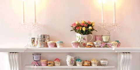 Serveware, Sweetness, Cuisine, Food, Cake, Dishware, Ingredient, Dessert, Baked goods, Cake decorating,