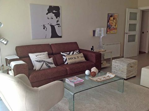Room, Brown, Interior design, Living room, Wall, Floor, Couch, Home, Furniture, Table,