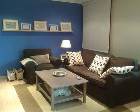 Room, Interior design, Brown, Floor, Living room, Furniture, Wall, Flooring, Couch, Home,