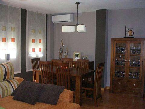 Wood, Room, Hardwood, Floor, Interior design, Flooring, Textile, Wood stain, Furniture, Ceiling,