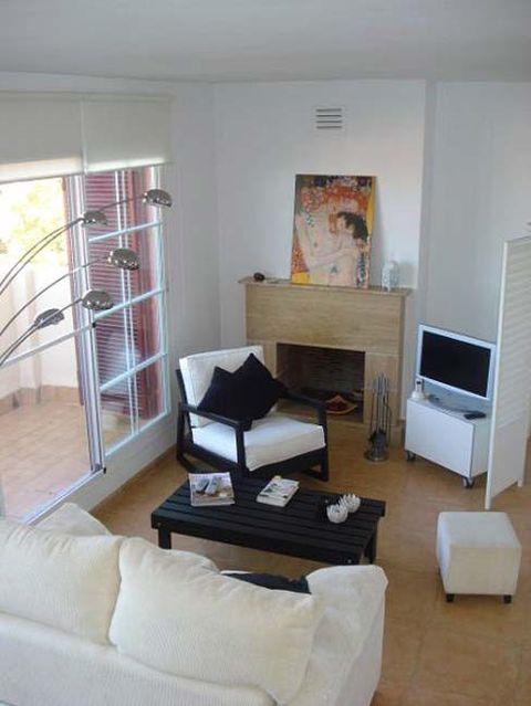 Wood, Room, Interior design, Property, Floor, Hardwood, Living room, Wall, Home, Flooring,