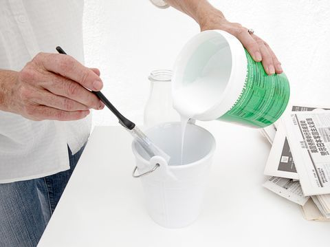 Finger, Hand, Paper, Chemical compound, Nail, Paper product, Thumb, Kitchen utensil, Cup,
