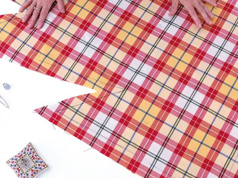Pattern, Textile, Red, Line, Colorfulness, Plaid, Triangle, Creative arts, Design, Peach,