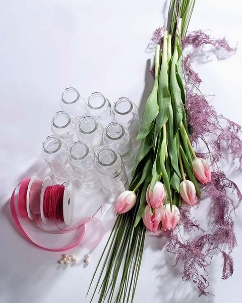 Ingredient, Vegetable, Flowering plant, Produce, Lavender, Herb, Natural material, Allium, Still life photography, Onion,