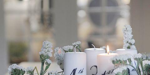 Un Centro De Mesa Navideno Con Flor Natural - Manualidades-centros-de-navidad
