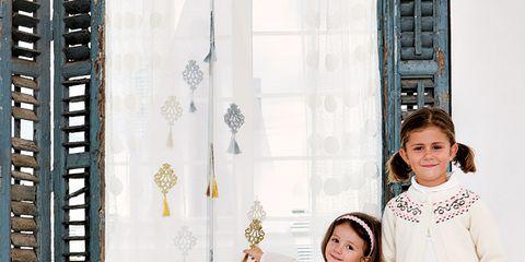 Sleeve, Textile, Pattern, Wallpaper, Child model,
