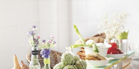Serveware, Dishware, Food, Table, Produce, Porcelain, Tableware, Ingredient, Plate, Ceramic,