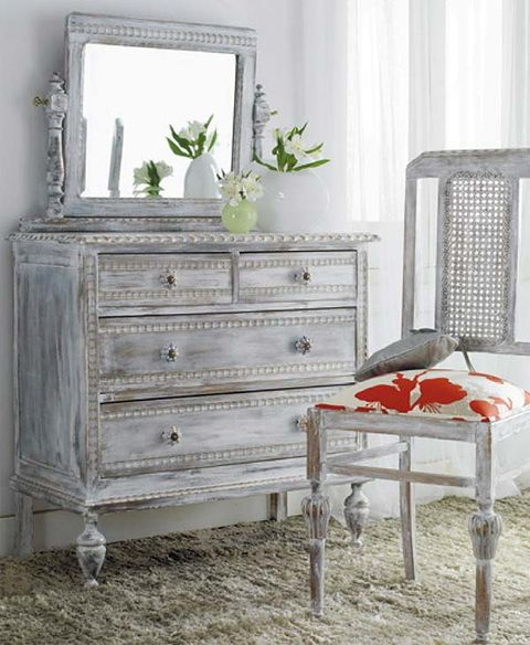 Wood, Drawer, Chest of drawers, Room, White, Furniture, Cabinetry, Wall, Dresser, Grey,