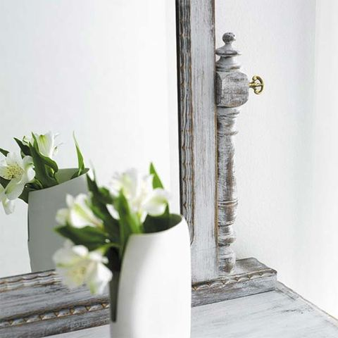 Petal, Flower, Wall, Cut flowers, Bouquet, Still life photography, Artifact, Vase, Flower Arranging, Artificial flower,