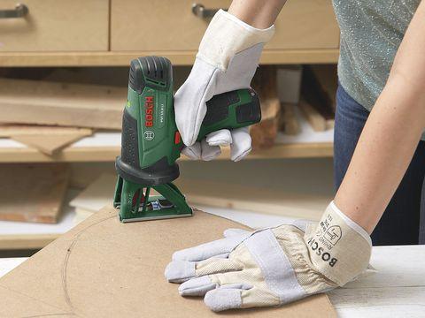 Human, Human leg, Joint, Glove, Safety glove, Wrist, Denim, Sock, Nail, Calf,
