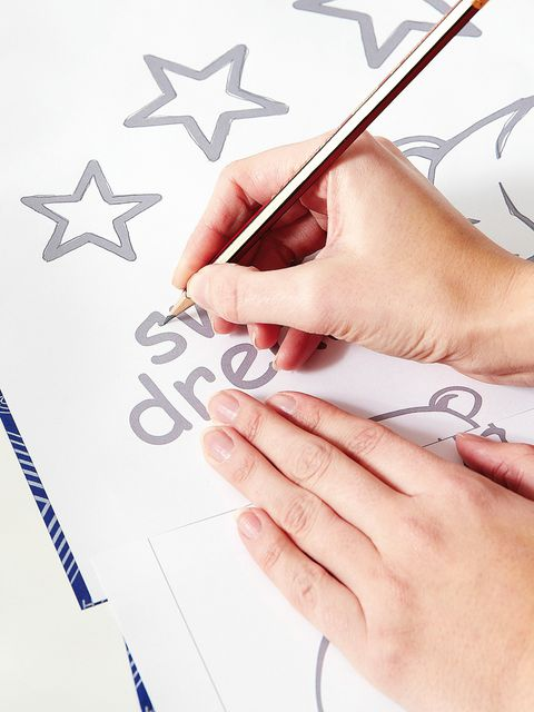 Finger, Nail, Material property, Thumb, Paint, Service, Paper product, Symbol, Artwork, Stationery,