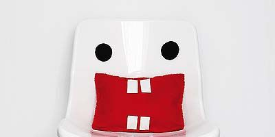 Product, White, Carmine, Fictional character, Coquelicot, Laptop,