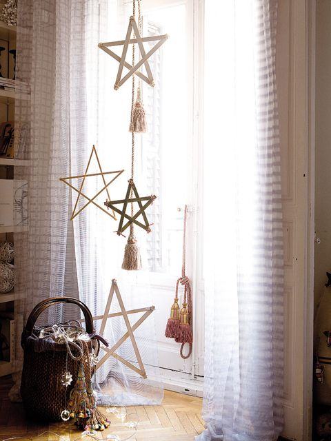 Interior design, Fixture, Interior design, Cross, Christmas decoration, Basket, Window covering, Home accessories, Household supply, Window treatment,