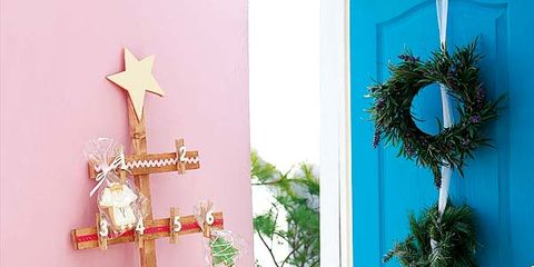 Interior design, Serveware, Table, Dishware, Christmas decoration, Teal, Interior design, Tablecloth, Turquoise, Aqua,