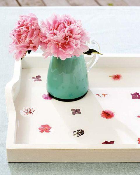 Petal, Flower, Pink, Centrepiece, Cut flowers, Bouquet, Flowering plant, Vase, Flower Arranging, Artifact,