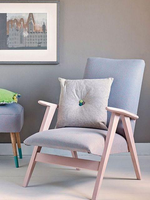 Wood, Green, Furniture, Flowerpot, Room, Wall, Chair, Floor, Interior design, Grey,