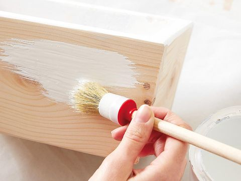 Finger, Nail, Kitchen utensil, Brush, Wood stain, Household supply, General supply, Plywood, Personal care, Cosmetics,