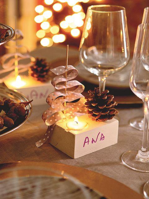 Glass, Stemware, Drinkware, Barware, Wine glass, Tableware, Champagne stemware, Dishware, Serveware, Transparent material,