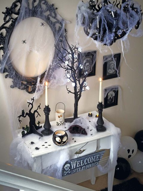 Room, Interior design, Interior design, Lighting accessory, Lamp, Grey, Twig, Home accessories, Balloon, Light fixture,