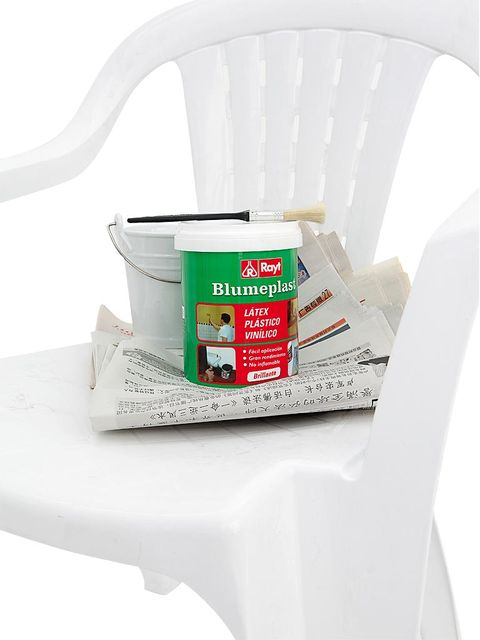 Plastic, Office supplies, Dishware, Serveware, Label, Household supply, Adhesive, Paint, Paper, General supply,