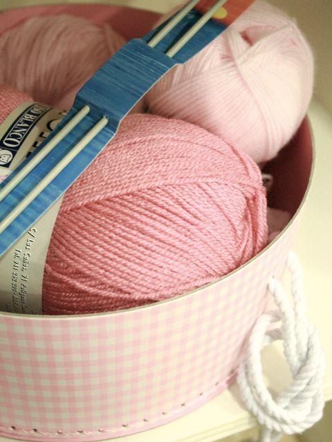 Textile, Magenta, Pink, Wool, Thread, Peach, Woolen, Material property, Fawn, Fiber,