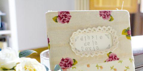 Petal, Flower, Pink, Bouquet, Shelf, Flowering plant, Rose order, Floral design, Cake, Dessert,